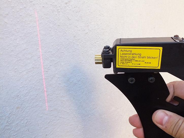 Laserové pravítko