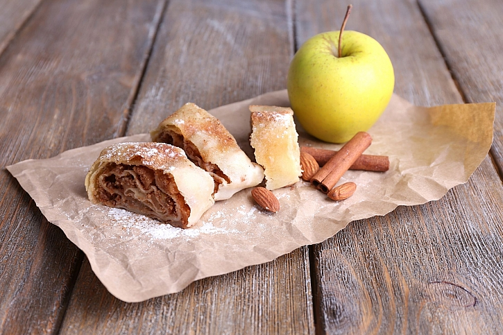 Štrůdl s jablky a se skořicí zná asi každý. Znáte i jiné? (Zdroj: Depositphotos)