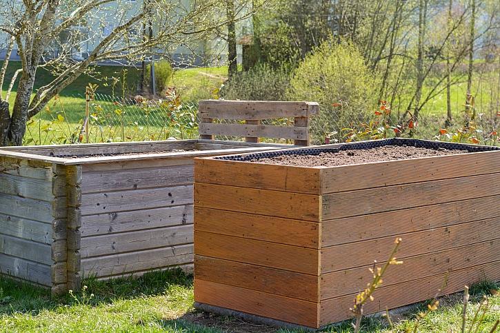 Založte si vyvýšené záhony, které si postavíte pomocí prken z recyklátu (Zdroj: Depositphotos)