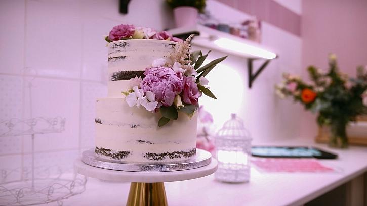 dort s květinami
