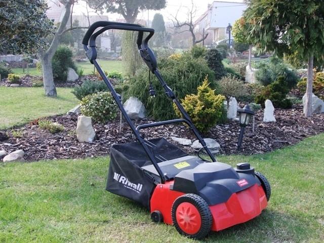 Vertikutátor Riwall podrbe váš trávník