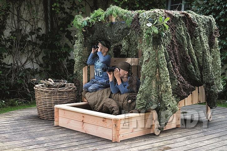 Zahradní odpočívadlo s pískovištěm pro kluky