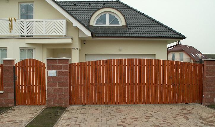 Pěkný plot pro větší bezpečí