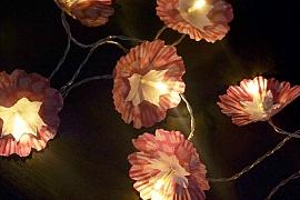 Světelná podzimní dekorace aneb Jak oživit obyčejný řetěz se žárovičkami