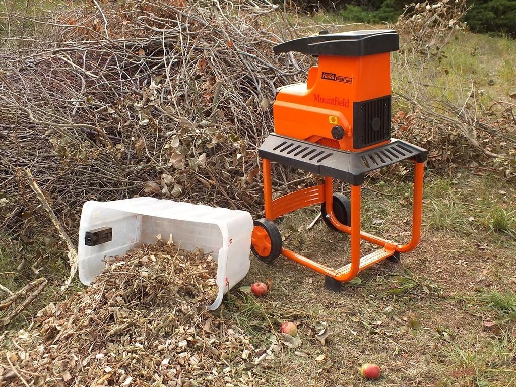 Podzimní úklid se neobejde bez štěpkovače