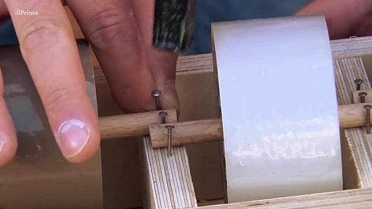 Přidělání držáku pásky