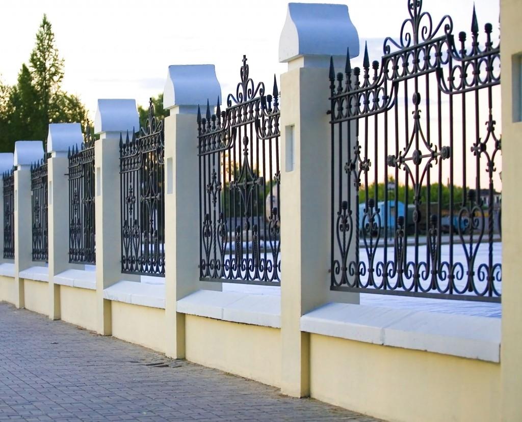 Co je ztracené bednění a jak z něj postavit plot