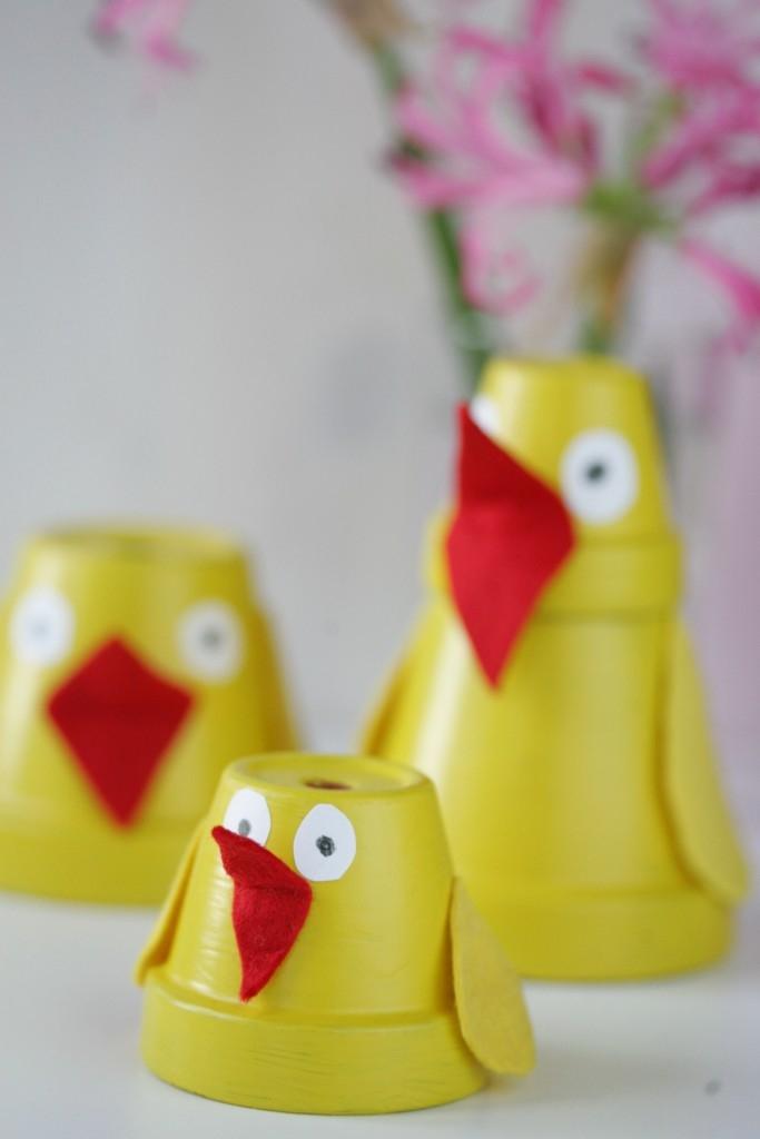 Chcete si vyrobit dekoraci v podobě jarních kuřátek? Máme pro vás hned několik návodů na jejich výrobu v různých podobách. Ideální jako aktivita pro děti! (Zdroj: Dekor)
