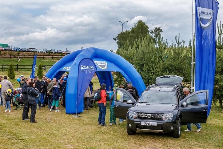Prohlídka modelů Dacia je samozřejmostí