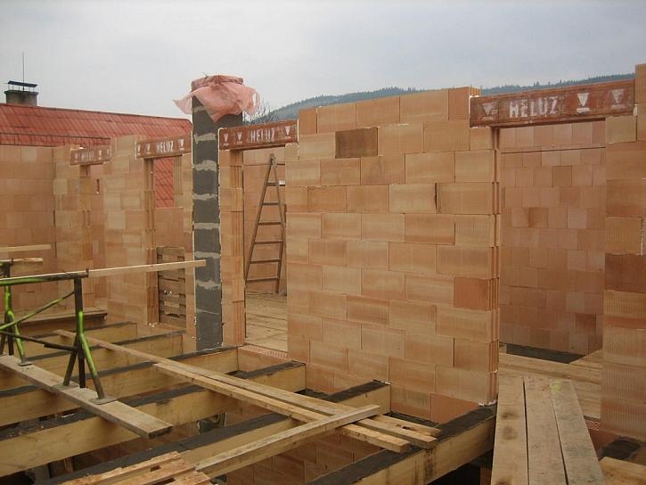 Investor se rozhodl postavit celý dům z HELUZu