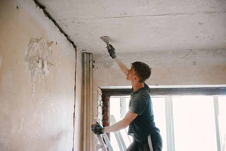 Před malováním si zdi dostatečně připravte