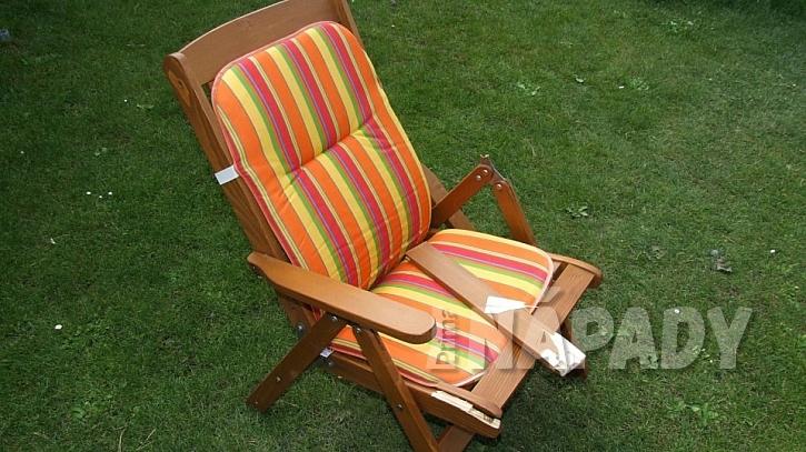 U sedacího nábytku mohou být  kolíčkové spoje problém