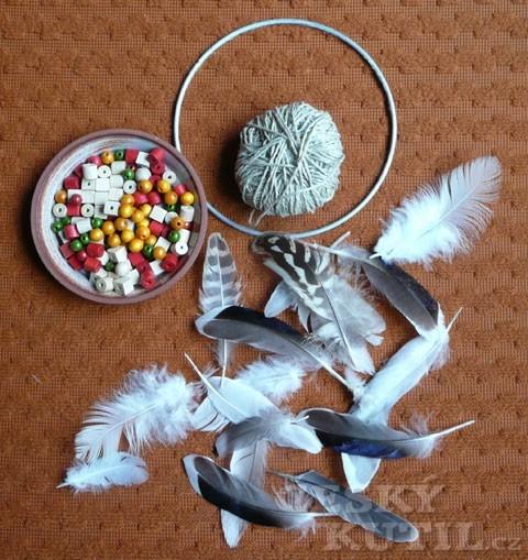 Výroba indiánského lapače snů