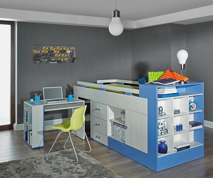 Pod zvýšenou postelí mohou být ukryté úložné prostory i psací stůl.