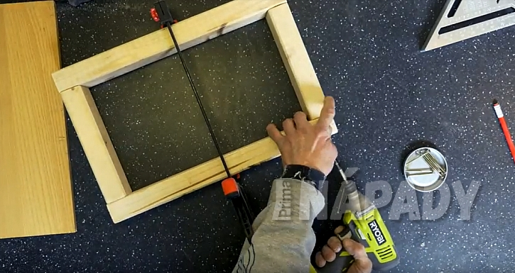 Sestavte formu ze dřeva