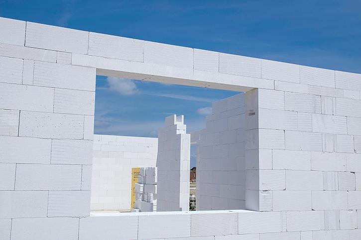 Stavíte dům z pórobetonu a máte hotovou základovou desku?