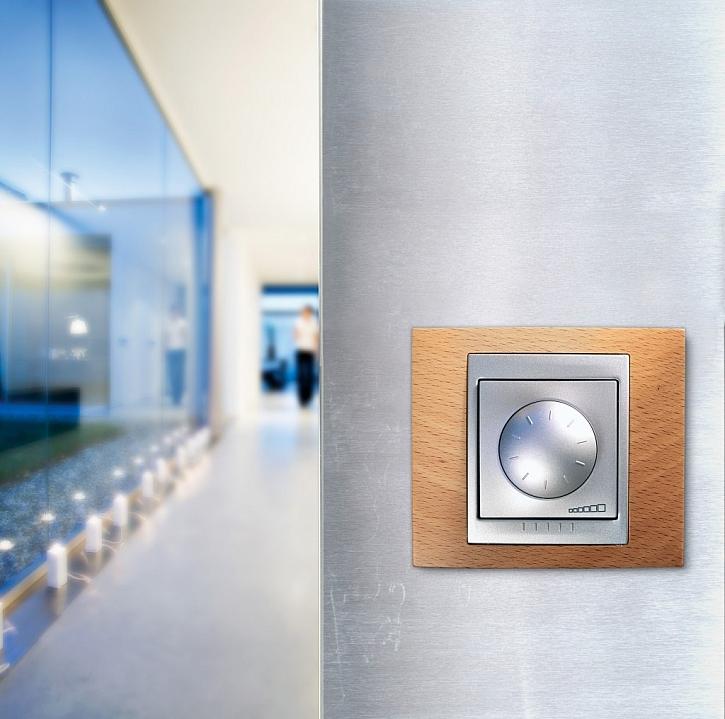 Stmívání a ovládání LED osvětlení