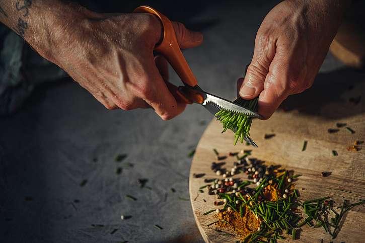 Nůžky Classic kuchyňské jsou ideální pro střihání potravin nebo k otevírání balení v kuchyni