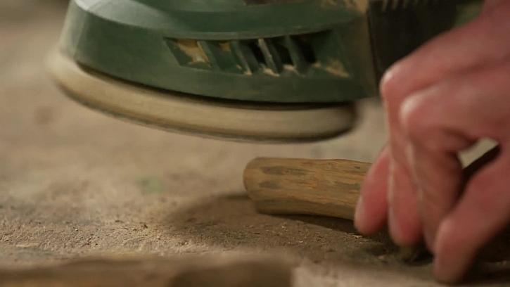 Práce s bruskou