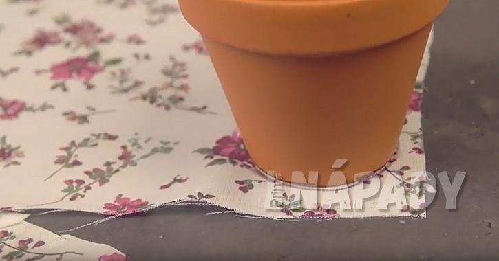 Dárkové obaly na květináče: vytvořte dno