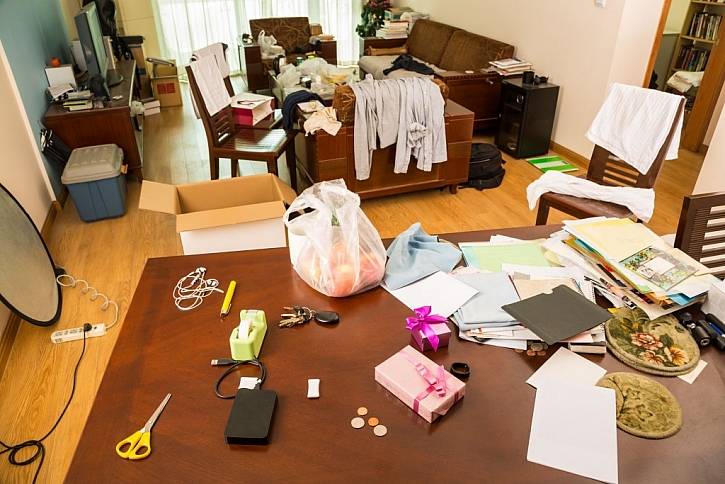 Nepořádek v bytě nás unavuje a zdržuje při běžných činnostech