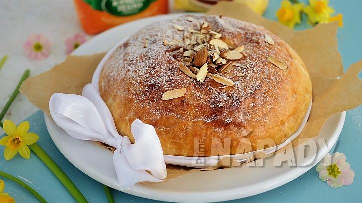 Velikonoční pečení z kynutého těsta: recept na špaldový mazanec