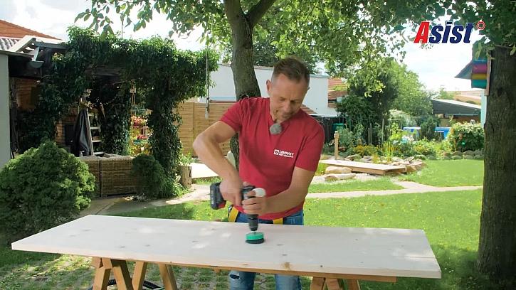 Leštění dřevěné desky