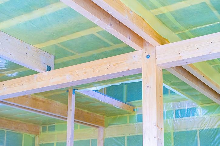 Zateplení stropu: foukanou izolací, polystyrenem nebo minerální vatou?