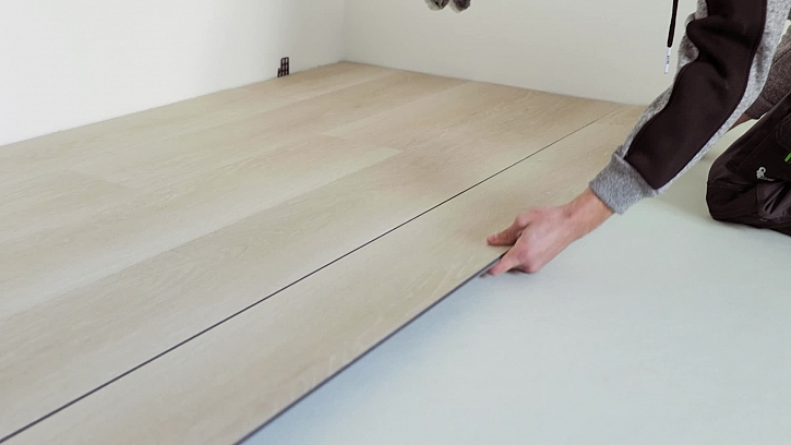 Pokládka vinylové podlahy