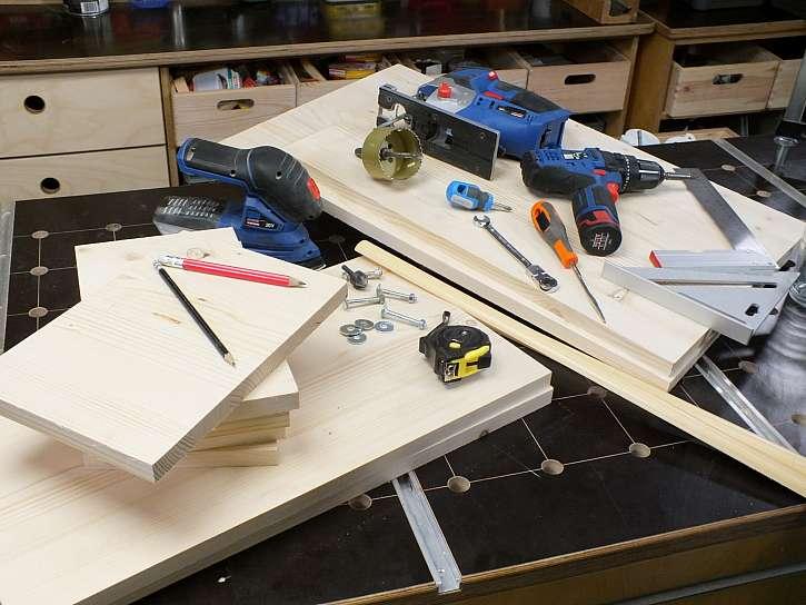 Materiál a nářadí