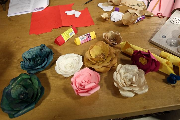 vyrábíme papírové květiny