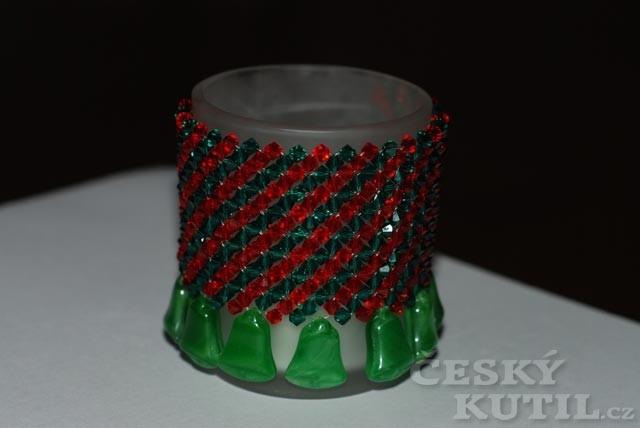 Výroba korálkového svícnu s vánoční atmosférou