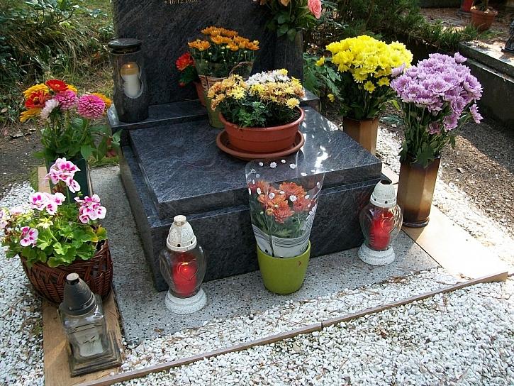 Když je na hřbitově podzim