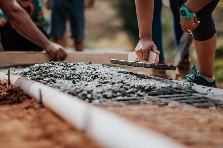 Kvalitní beton z mixu i pro drobné stavby