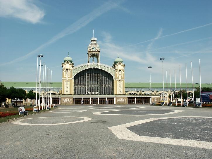 Signal Festival bude poprvé v Holešovicích. Bezpečnost návštěvníků je pro organizátory prioritou (Zdroj: Depositphotos)