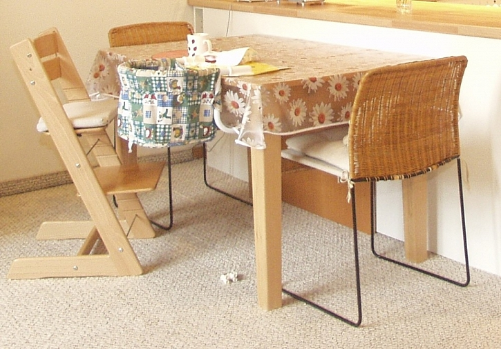 Jídelní stoly do malých prostor