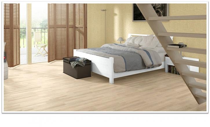 Jak sladit barvu podlahy s nábytkem - kontrastů se bát nemusíme