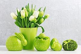 Vyrobme si na velikonoční stůl dekoraci v podobě mechového vajíčka