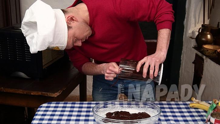 Recept na fazolové brownies: hmotu dáme na plech