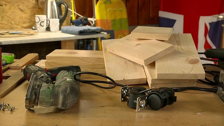 Příprava pro výrobu stolečku