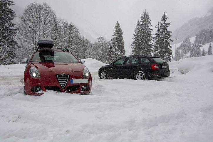 Sypké zimní řetězy jsou snadnou pomocí při nenadálém přívalu sněhu nebo na zledovatělé silnici či chodníku
