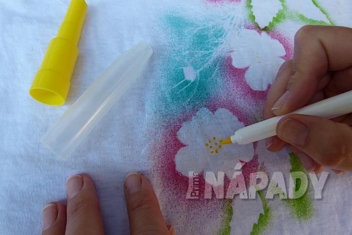 Rozkvetlé tričko aneb Pohrajte si s foukacími fixy 8