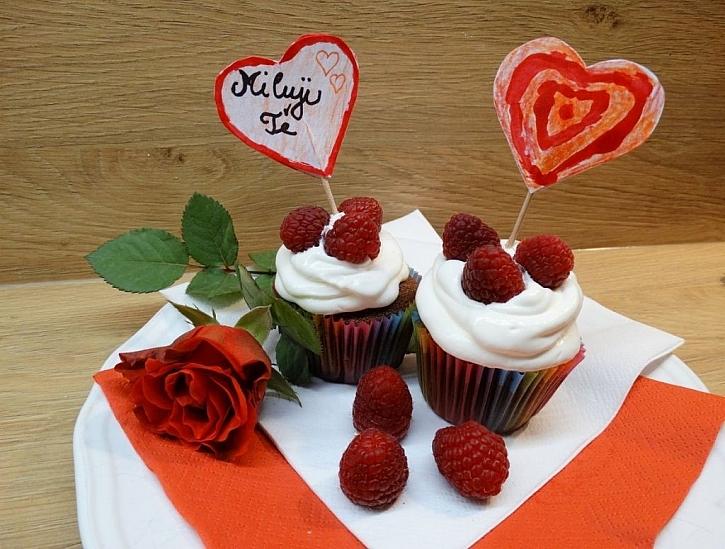 Vyrobte si slavnostní valentýnská jednohubková napichovátka