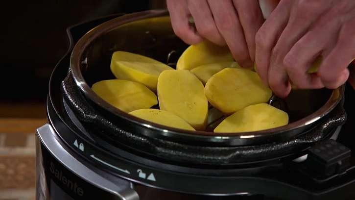 Půlené brambory