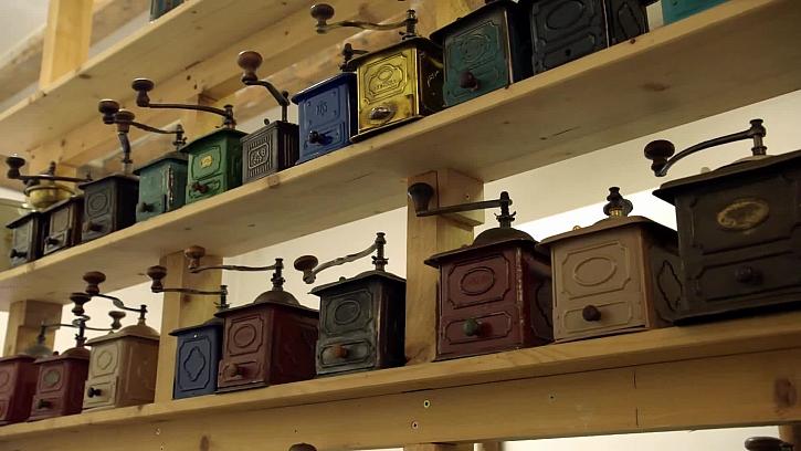 Sbírka mlýnků na kávu