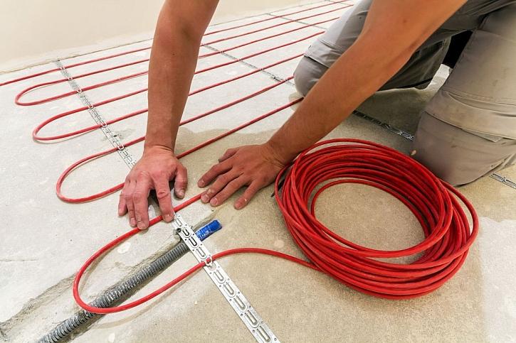 Instalace podlahového vytápění do koupelny není složitou záležitostí a zajistí vám tepelný komfort