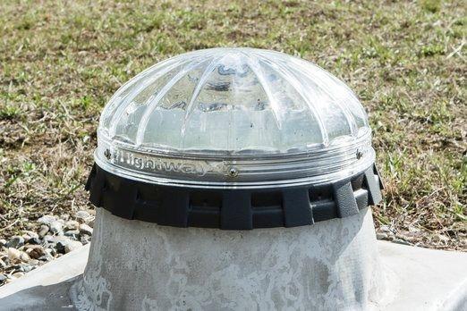 Světlovody sbírají denní světlo a vedou ho do interiéru speciálním vysoce reflexním tubusem