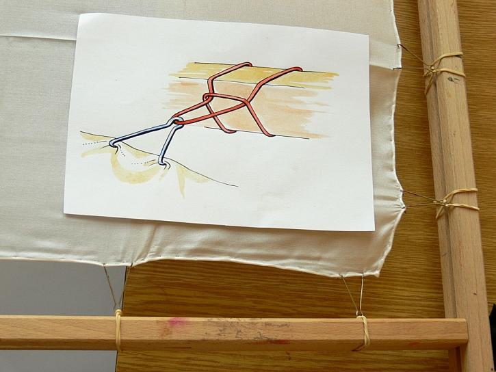 Zdobení hedvábného šátku světelnou technikou