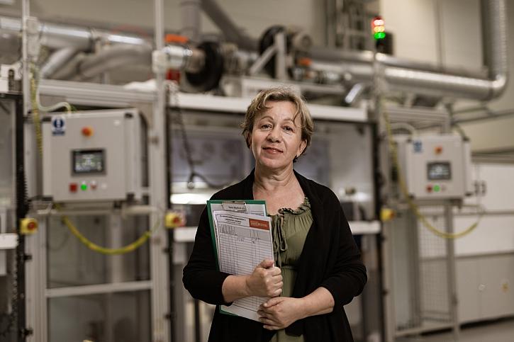 Ing. Marcela Munzarova, cesk á Nano Lady,  autorka materiálu AntiMicrobe Web R v prov ozu Nano Medical, MG_1001