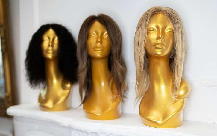 Například nákupem šamponu nebo kondicionéru Pantene v Teta drogeriích nyní přispějete na výrobu paruk pro onkologicky nemocné ženy